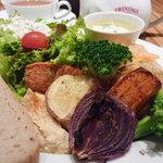 トラヤカフェ - TORAYA CAFE 季節のべジプレートランチ 1000円