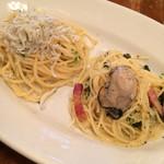 MOTHERS - 釜揚げシラスのペペロンチーノ 広島産牡蠣と春菊のペペロンチーノ
