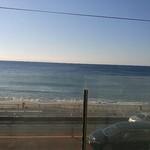 60771098 - 窓からの眺め