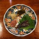 60772611 - 肴盛り合わせ(左上から時計回り・・・ホタテのヒモ塩和え、葉ワサビ醤油漬け、ホタルイカの沖漬け、鯛ワタ)