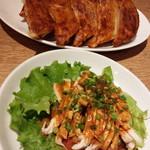 60777891 - 焼き餃子と蒸し鶏
