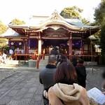 トゥッカーノグリル&バー - (参考画像)武蔵野八幡宮本殿の行列