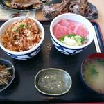 60780085 - 桜エビのかきあげ丼と本マグロの中トロ丼(+200円)