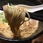 らーめん 伊藝 - 豚骨魚介らーめん (750円)麺リフト