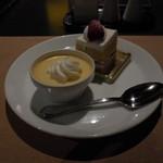 60783573 -  いちごのショートケーキと、カスタードプディングです。