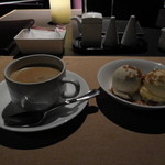 60783608 -  バニラとほうじ茶のアイスクリームです。