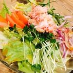 魚寅本店 - カニサラダ 中
