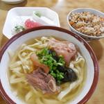 新山食堂 - そば定食 850円