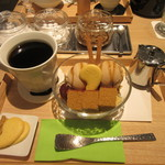 茶庭 然花抄院 - 「焙じ茶栗丸」のセット