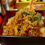 八幡太郎本店 - 天丼アップ