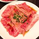 焼肉屋 牛ちゃん - 料理写真:カルビ(860円)