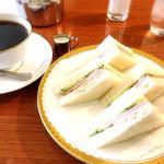 丸福珈琲店 - 料理写真:モーニングメニューのサンドイッチセット(ホットコーヒー)