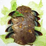 海味鮮 - 料理写真:おすすめ料理 ピータンと牛肉の特製ソースがけ 680円