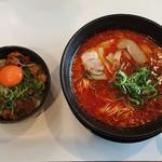 大宝 - 大宝麺とスジ丼