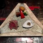 60800927 - 神戸牛フィレ肉素揚げ トリュフ塩