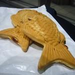たいやき屋 - 料理写真:鯛焼き