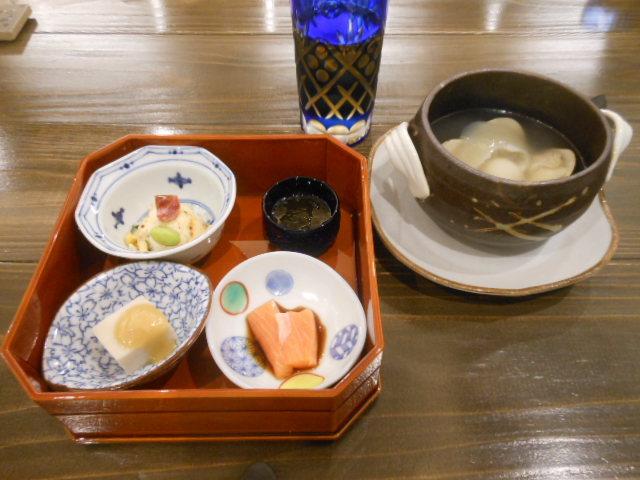 彩食健美 ハチ バコ - 八角ランチAB共通の前菜盛合せと、ふかひれスープ 2016.12