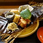 60808880 - 前菜:生麩田楽、ナマコ、蛸柔らか煮、モズク酢、金柑チーズ等