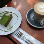 バーミリオンカフェ - 抹茶ガナッシュ+カフェラテ