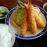 60811986 - エビフライ定食(普通サイズ)