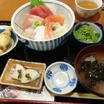 港食堂 - 海鮮丼