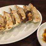 醤油ラーメン かまやつ - 餃子 300円