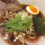 麺屋横浜にぼし堂 - 煮干し醤油ラーメン大盛り