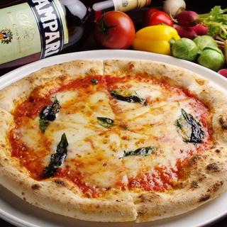 石窯ならではのモッチモチなピザをどうぞ♪