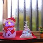 麺屋 はやさか - 店内はクリスマスモードです。