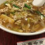 東幸飯店 - 肉そば(772円)