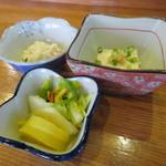 鮨岡 - 漬物、小鉢