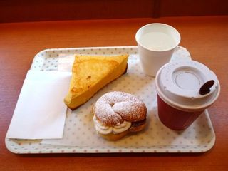 NIKI BAKERY 駒込店 - フレンチトースト&&ブレンドコーヒー(R)