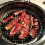 焼肉 きんぐ - 料理写真:カルビですかね(´∀`)どんどん焼きます♪