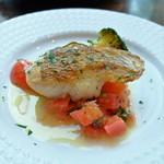 カンティーナ シチリアーナ - 鮮魚のソテー トマトのケッカソース