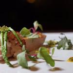 レストラン パッショーネ - 「オマール海老とブレス鶏のロースト」¥8640コースより