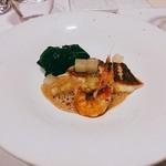 60827771 - 真鯛のポワレ レモングラスとコブミカン香るオマールのソース