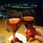 スカイラウンジ エアシップ - ローランペリエ ロゼ 乾杯