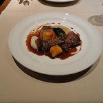 トゥールモンド - お肉:牛ロースのポワレ