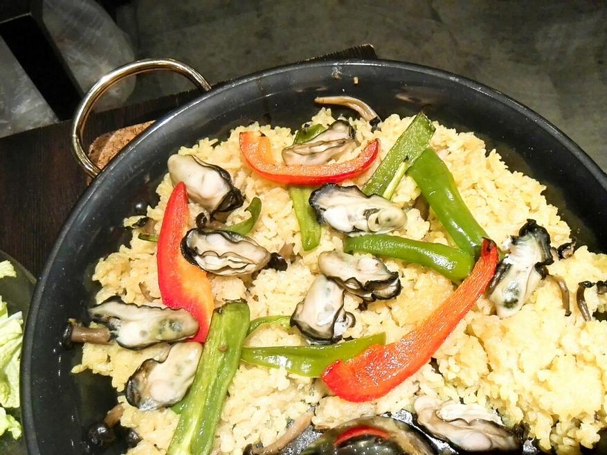 牡蠣とハマグリとワイン 大曽根oysters