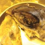かき小屋フィーバー ザ・バル - 蒸し牡蠣(2016/12)
