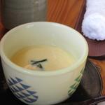 いけだ - 次に運ばれて来たのはアツアツの茶碗蒸しです。