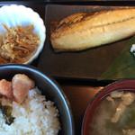 やまや - 本日の定食¥1000。この日は焼きサバ