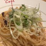 フラッグスカフェ&ダイニング - 明太子と豆と長ねぎのクリームスパゲティ¥1200