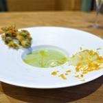 Obase - 青森県産枝豆のスープ、   ヤリイカと自家製カラスミ、   ヤリイカのゲソと枝豆のフリット