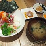 プレミアムレストラン 東京 金のダイニング 鮪金 - 海鮮丼