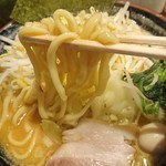 横浜家系ラーメン 三ノ宮商店マックス - 麺