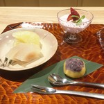 観山 - メロゴールド ラ・フランスのコンポート 苺(とちのか)のムース 種子島の安納芋の茶巾包み