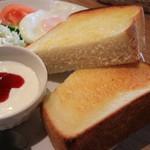 Cafe Garden P.o.t - 厚切りトースト