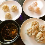 逸品火鍋 - 小籠包、海老餃子、焼売