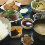 味吉野 - まぐろせせり漬けと一口カツ盛合せ定食  1080円
